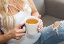 embarazada-tomando-infusiones