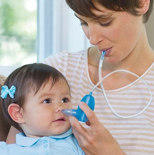 limpiar la nariz de un bebe