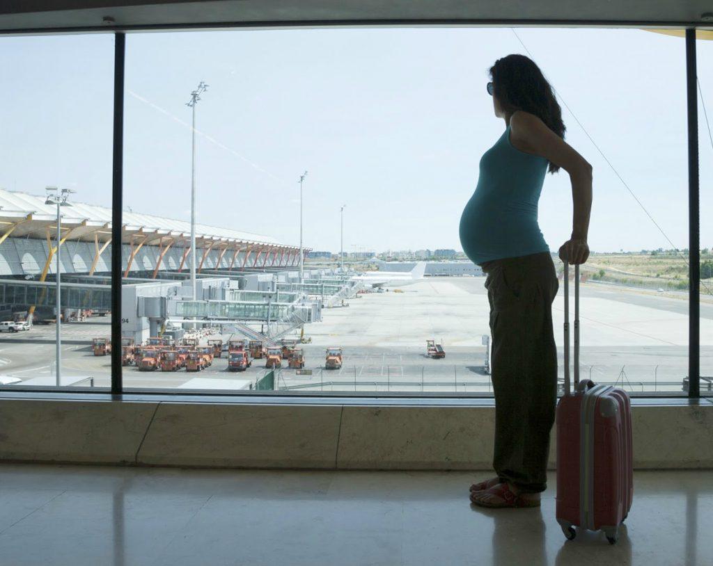 embarazada, avión, viajar, cuidados en el embarazo